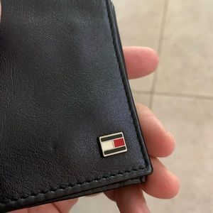 Tommy Hilfiger wallet new